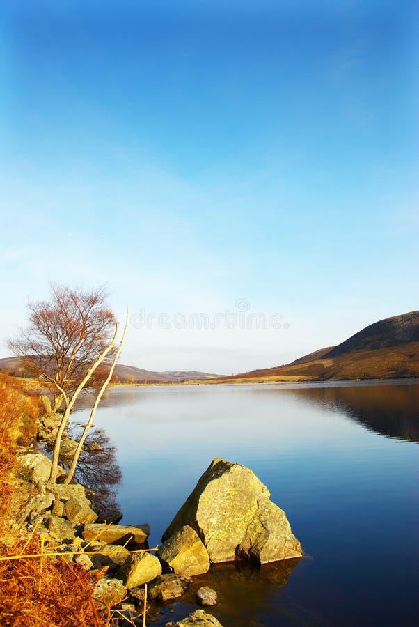 Loch lee3, montanhas, scotland imagem de stock royalty free