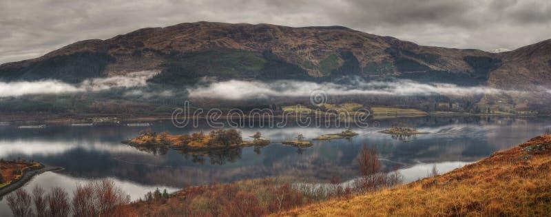Loch Leven avec des îles de Glencoe, Ecosse image libre de droits