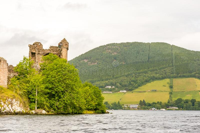 Loch Ness par temps sombre, Ecosse images stock