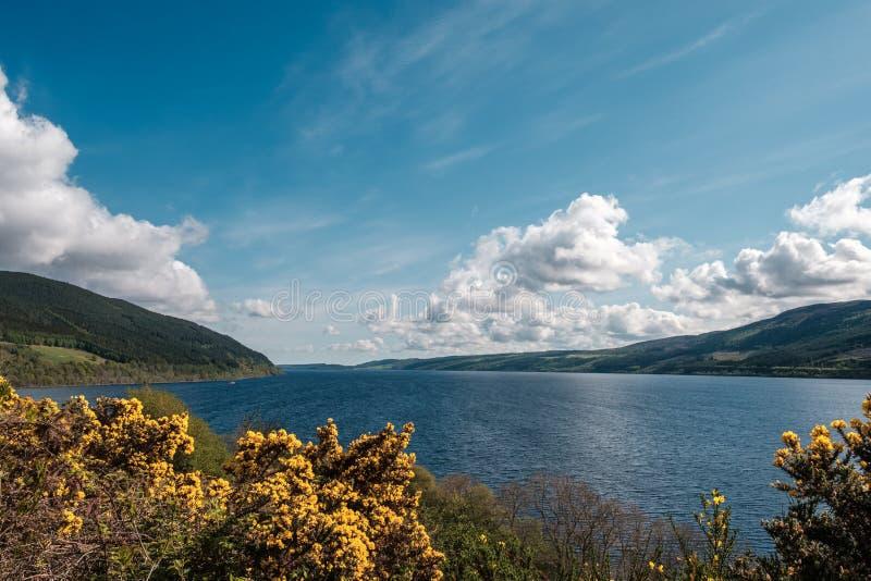 Loch Ness in Schotland stock afbeeldingen