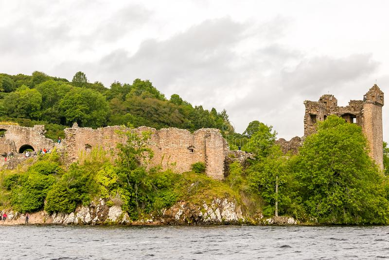Loch Ness in somber weer, Schotland stock foto