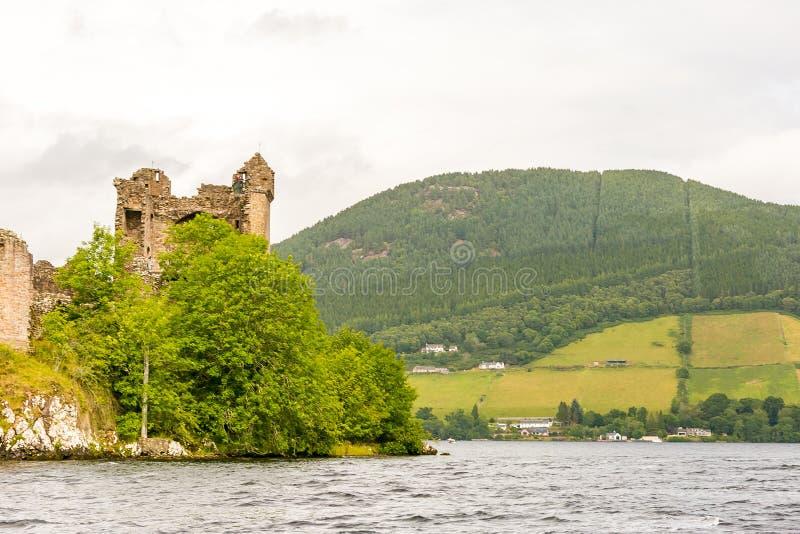 Loch Ness in somber weer, Schotland stock afbeeldingen