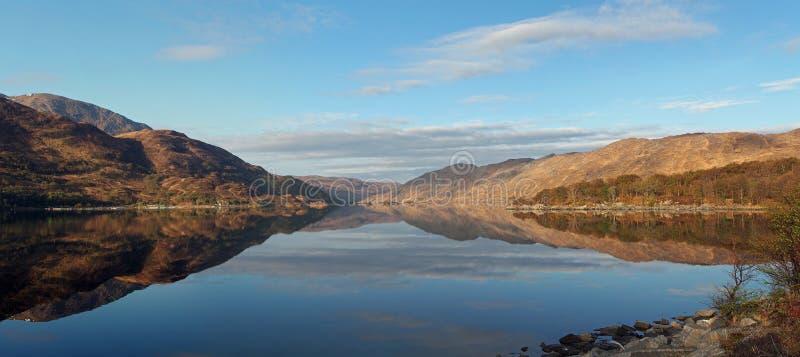 Loch overzeese van Ailort loch, de westkust van Schotland royalty-vrije stock foto