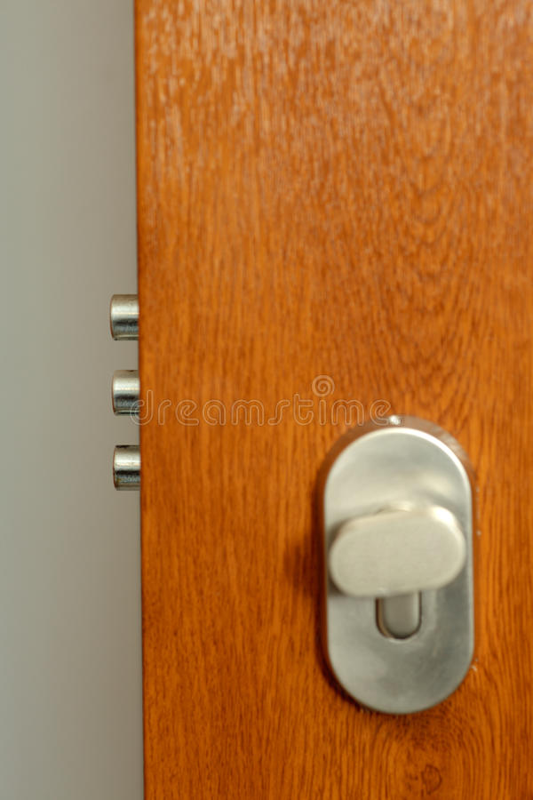Free Lock - Detail Of Modern Office Door Stock Images - 14331384