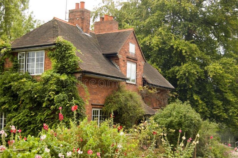 Lock Keeper's Cottage, Sonning, Berkshire stock photo