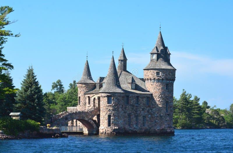 Lockande slott royaltyfria bilder