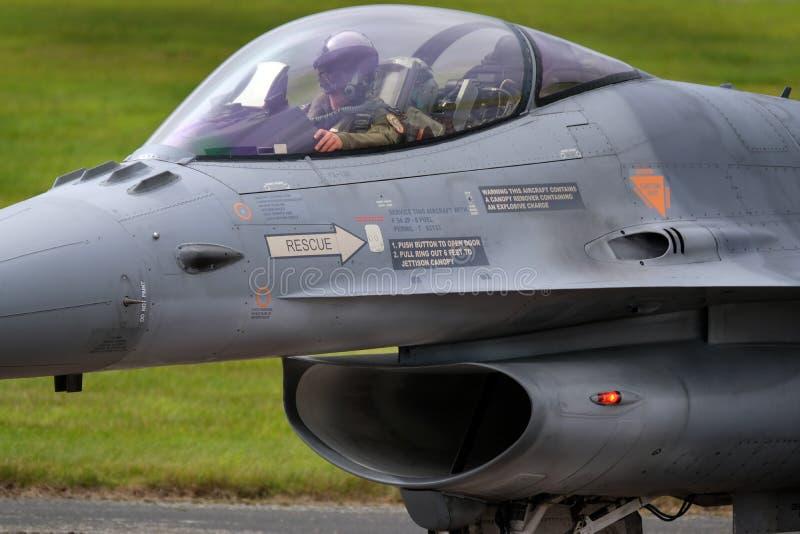 Lockheed Martin γεράκι πάλης F-16, σύγχρονος γρήγορος αεριωθούμενος μαχητής στοκ εικόνα