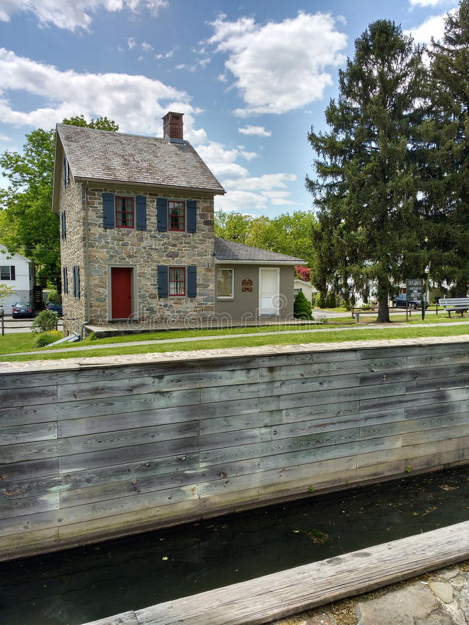 Locktenders Haus am Verschluss #23, Walnutport, Pennsylvania, USA lizenzfreie stockfotografie