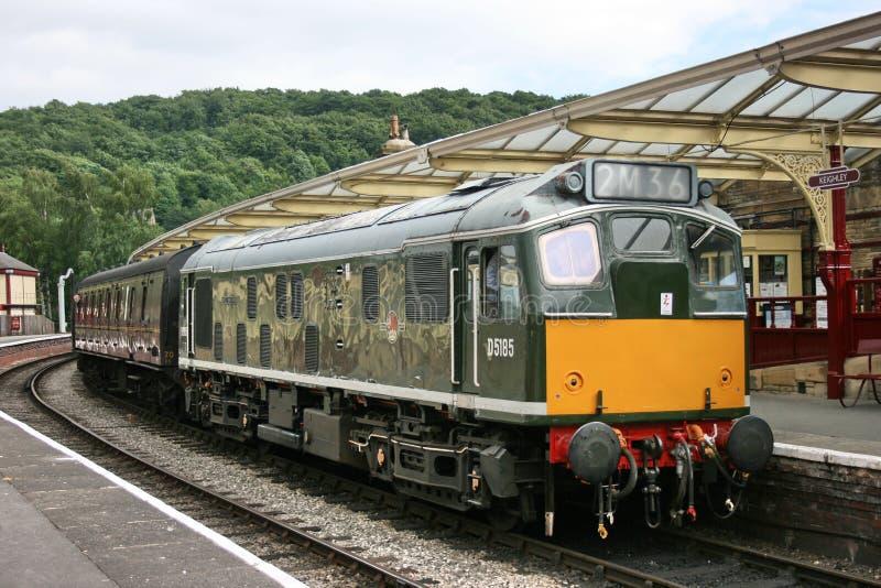 Locomotiva D5185 diesel da classe 25 em Keighley, em Keighley e em valor fotografia de stock royalty free