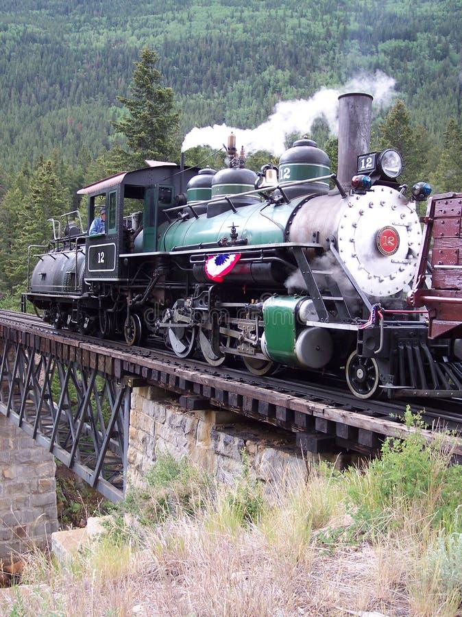 Locomotiva da estrada de ferro do calibre estreito em Colorado fotografia de stock