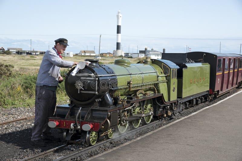 Locomotiva de vapor que é estação lustrada Reino Unido de Dunegess imagem de stock royalty free