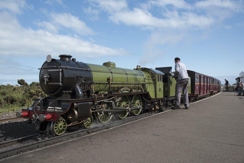 Locomotiva de vapor que é Reino Unido lustrado fotografia de stock