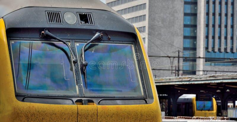 Locomotivas resistentes sujas na estação de Ghent imagens de stock