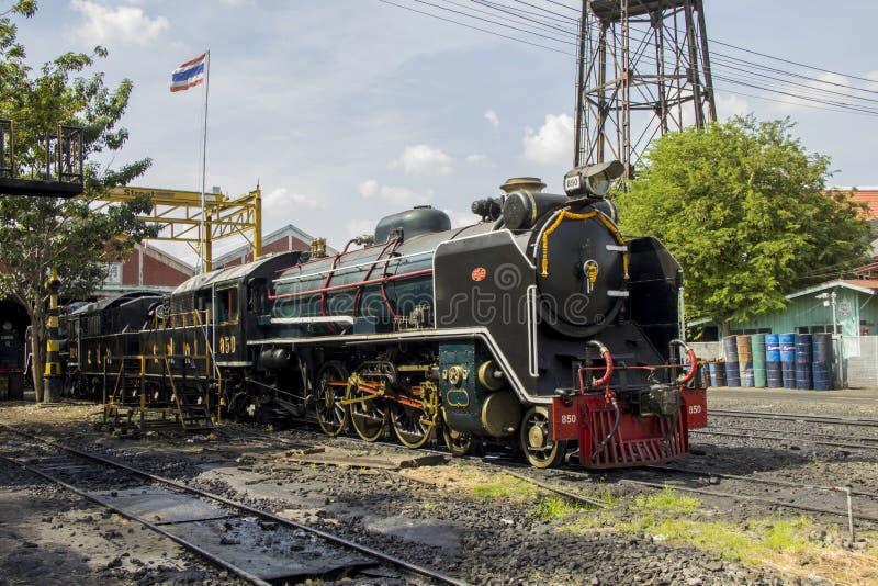 Locomotive à vapeur locomotive de stockage et de réparation d'endroit de dépôt de THON-BURI de la Thaïlande photos libres de droits