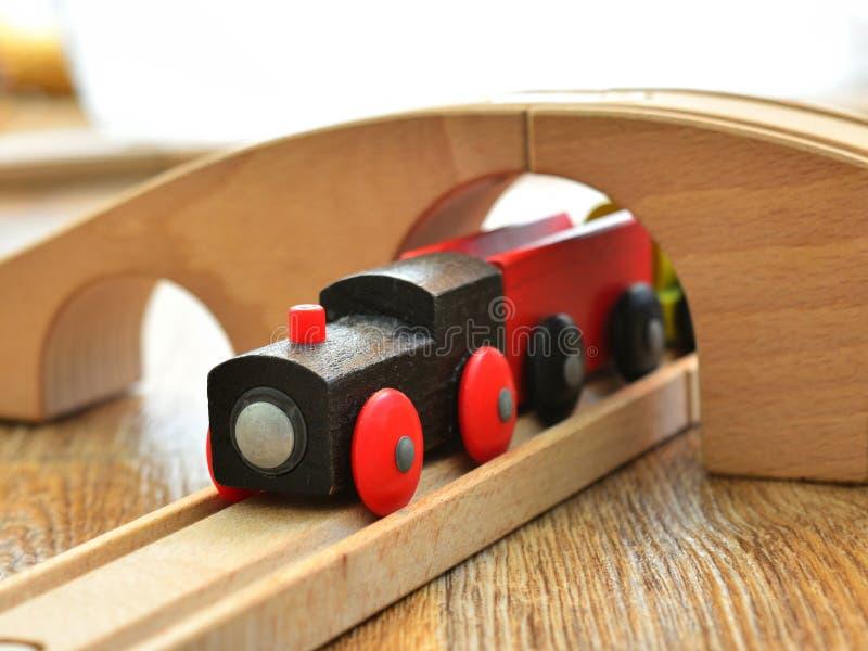Locomotive à vapeur en bois de jouet images libres de droits