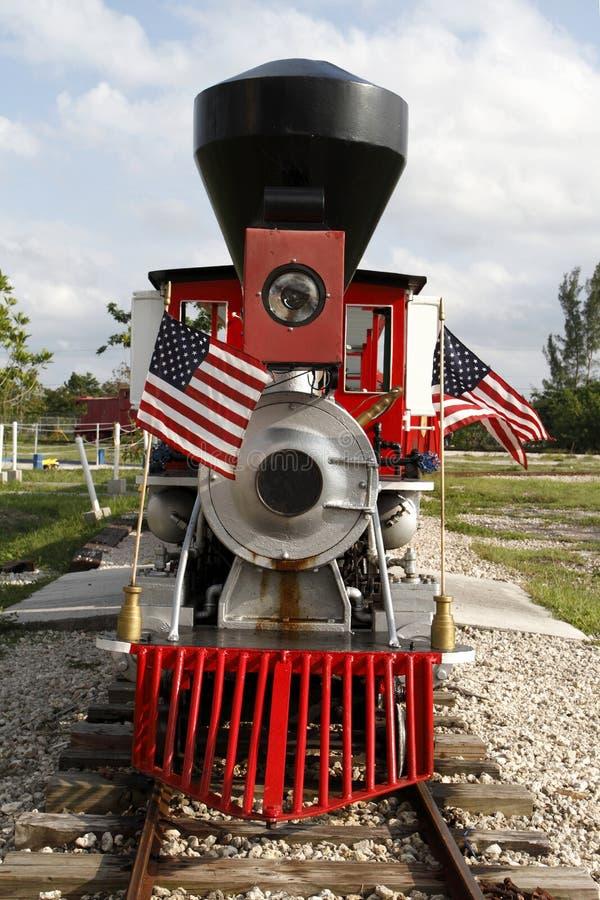Locomotive à vapeur miniature de cru photographie stock libre de droits