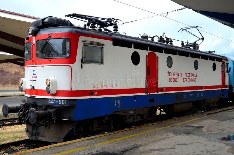 Locomotive électrique de rail de station bosnienne Bosnie Hercegovina de Sarajevo de chemins de fer photos libres de droits