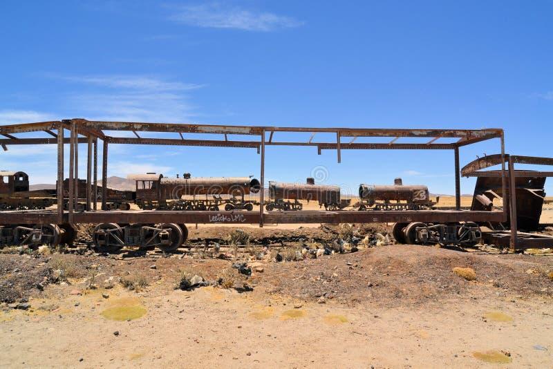 Locomotives à vapeur rouillées, cimetière de train en Bolivie image libre de droits