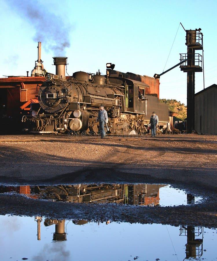 Locomotora de vapor del indicador estrecho foto de archivo