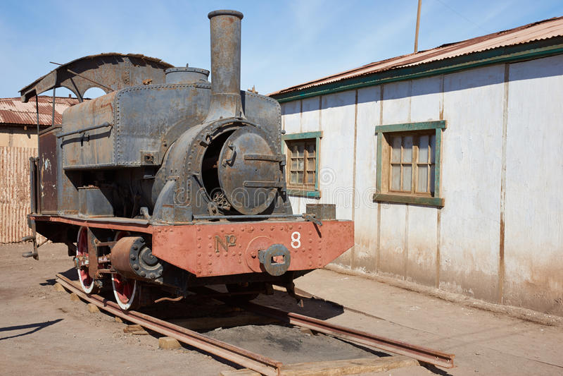 Locomotora de vapor en los trabajos del salitre de Humberstone imágenes de archivo libres de regalías
