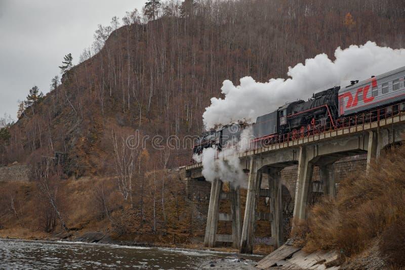 Locomotora de vapor vieja en el ferrocarril de Circum-Baikal imagen de archivo libre de regalías