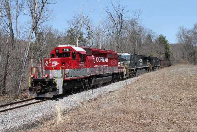 Locomotora 7116 del ferrocarril de RJ Corman fotos de archivo