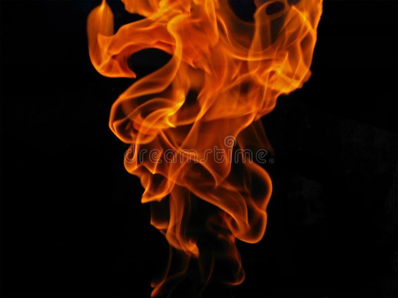 Loderndes Feuer stockfoto