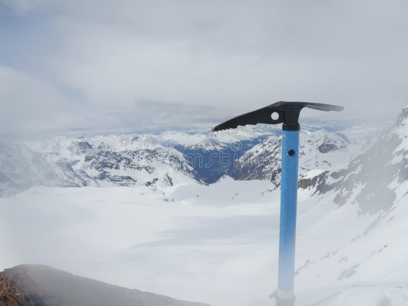 Lodowa cioska w śniegu zdjęcia stock