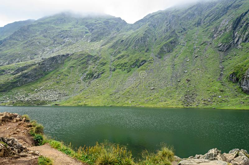 Lodowa jezioro dzwonił Balea Balea Lac na Transfagarasan fotografia royalty free