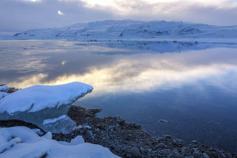 Lodowaty Błękitny laguna zmierzch fotografia royalty free