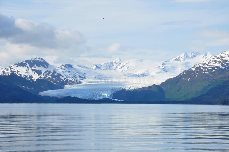 Lodowiec w Alaska cofa się od morza obraz royalty free