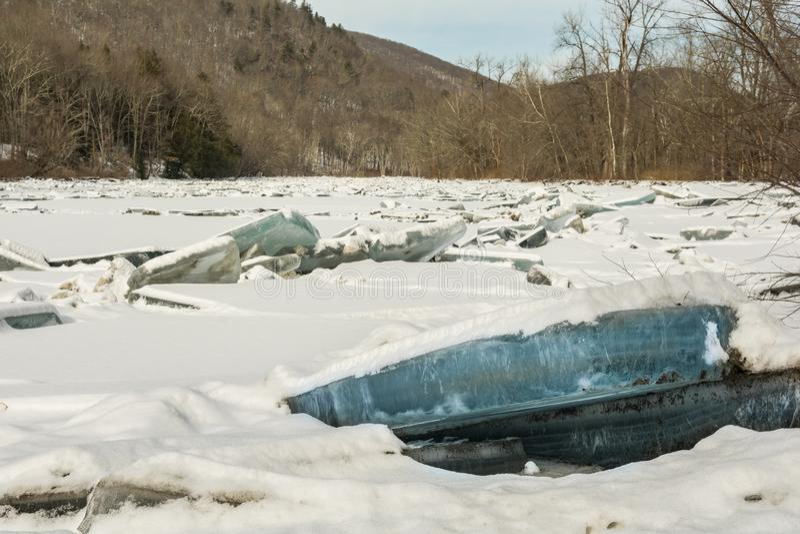 Lodowy dżem na Housatonic rzece zdjęcie royalty free