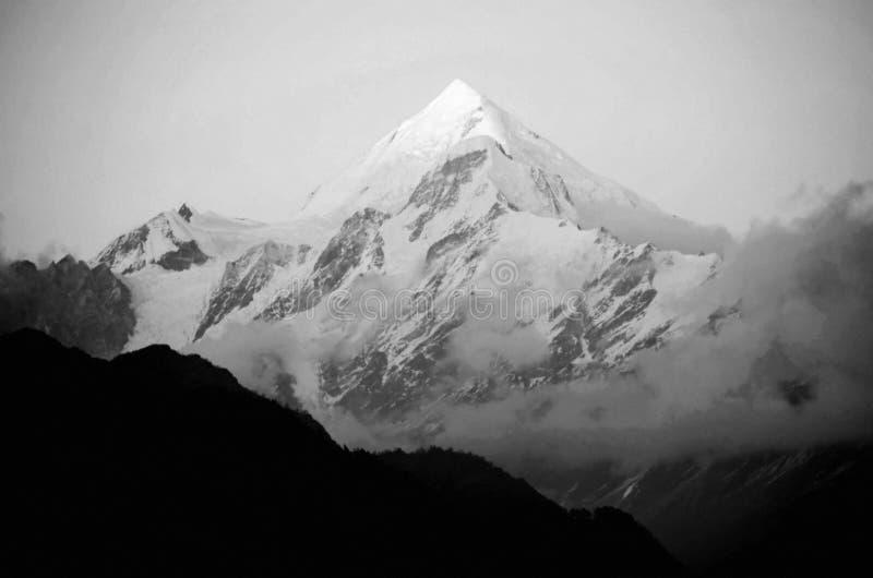 Lodowy halny szczyt zdjęcie royalty free