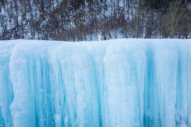 Lodowy i śnieżny tło w bławym brzmieniu obraz royalty free