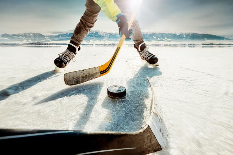 Lodowy meczu hokeja moment zdjęcia royalty free