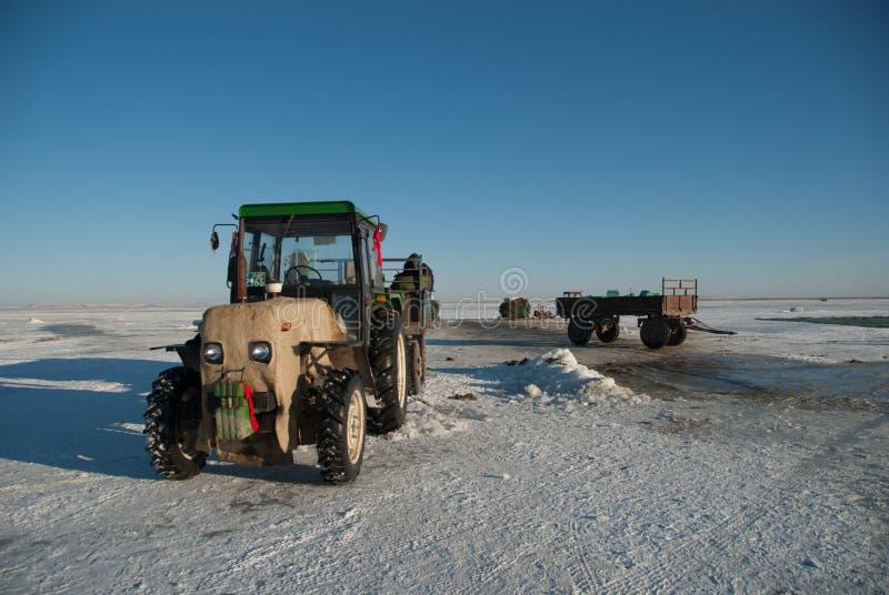 Lodowy połów w wewnętrznym Mongolia fotografia royalty free