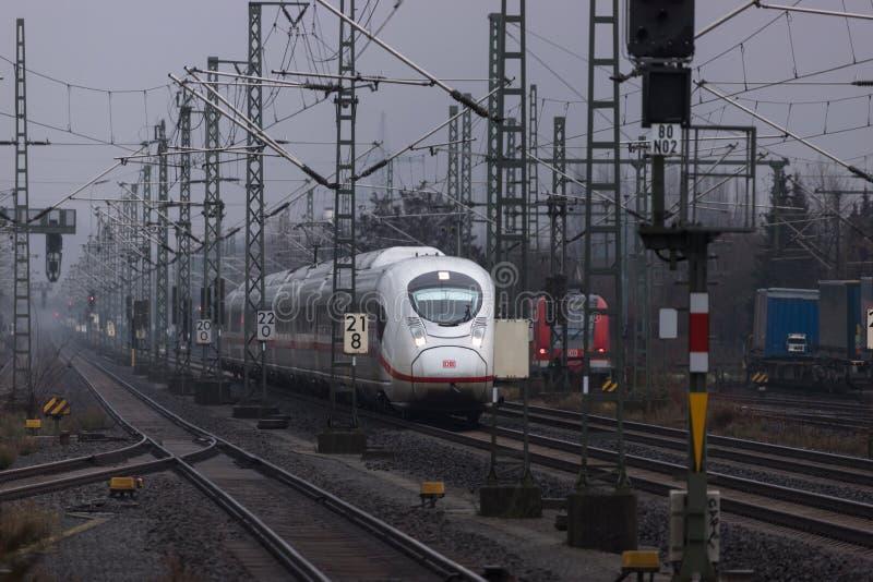 LODOWY pociąg w siegburg Germany obraz stock