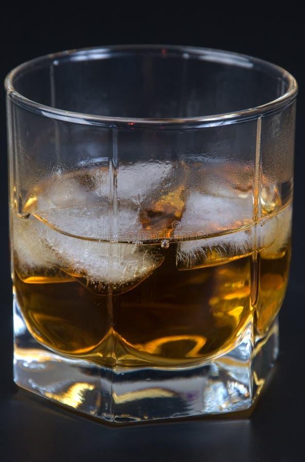 lodowy szkła whisky zdjęcia stock