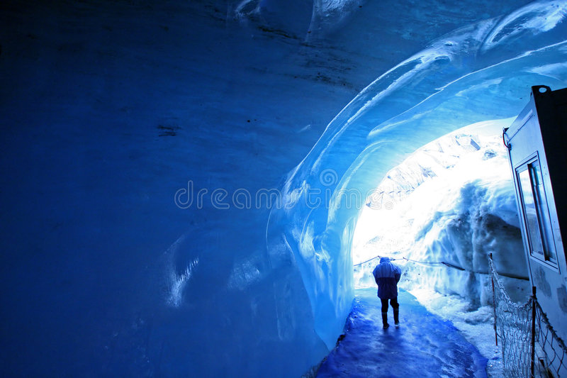 lodowy tunel zdjęcia royalty free
