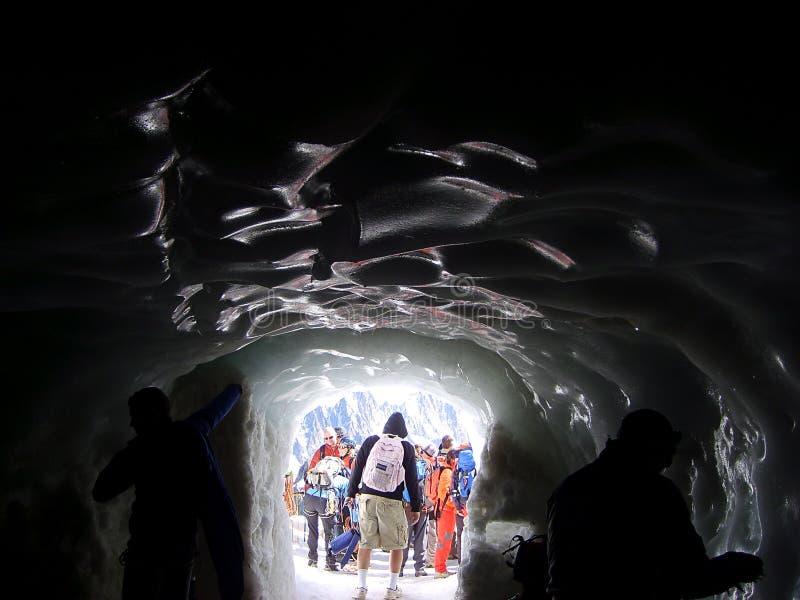Lodowy tunel na Mont Blanc góry masywie zdjęcia royalty free