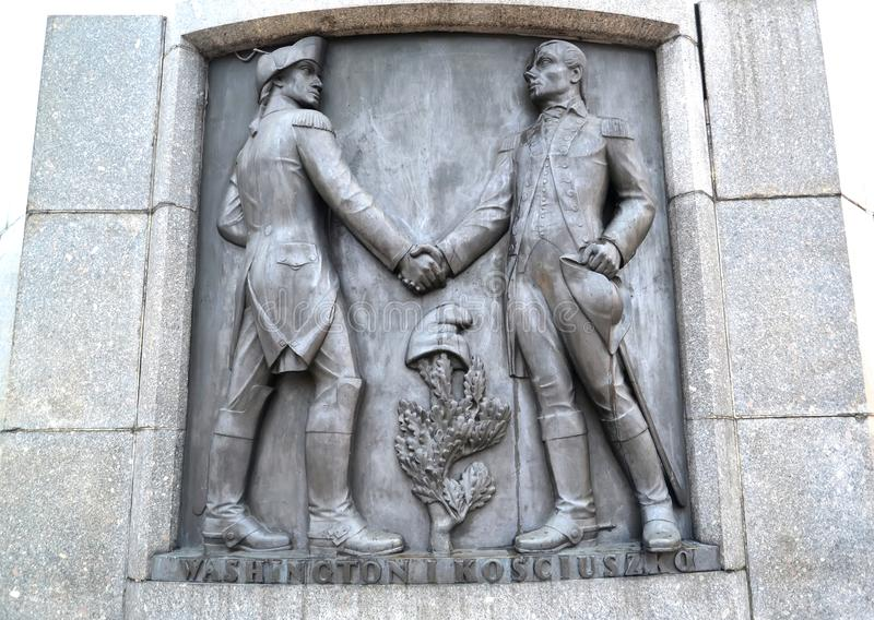 lodz Польша Барельеф с изображением Tadeusz Kosciusko и Джорджа Вашингтона Часть памятника Kosciusko стоковые фотографии rf