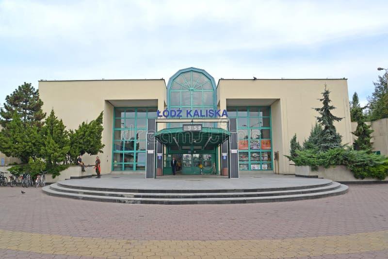 Lodz, Polen Station van de post Lodz-Kalisky stock foto