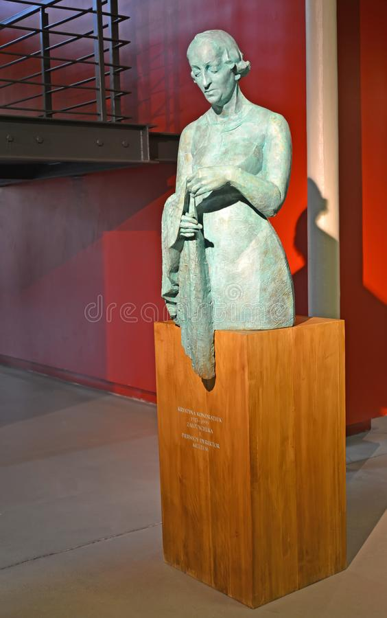Lodz, Polonia Monumento 1913-1999 di Christine Kondratyuk, al fondatore ed al primo direttore del museo centrale dei tessuti immagine stock libera da diritti