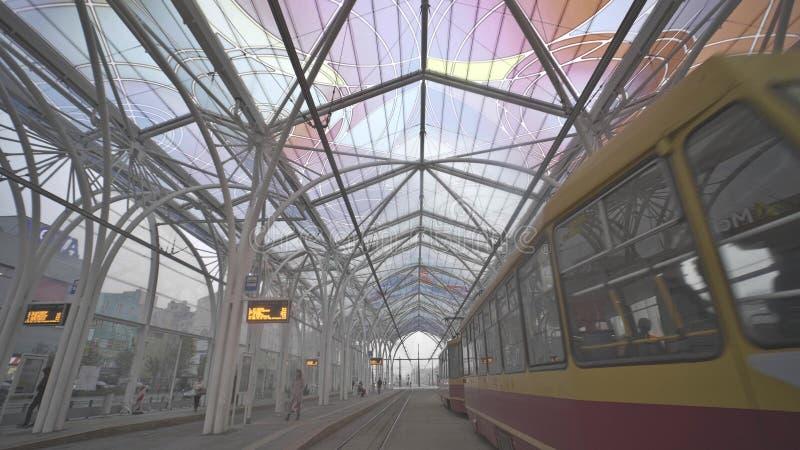 LODZ, POLONIA - 21 OTTOBRE 2018 Stazione storica del tram del centro di Piotrkowska immagine stock