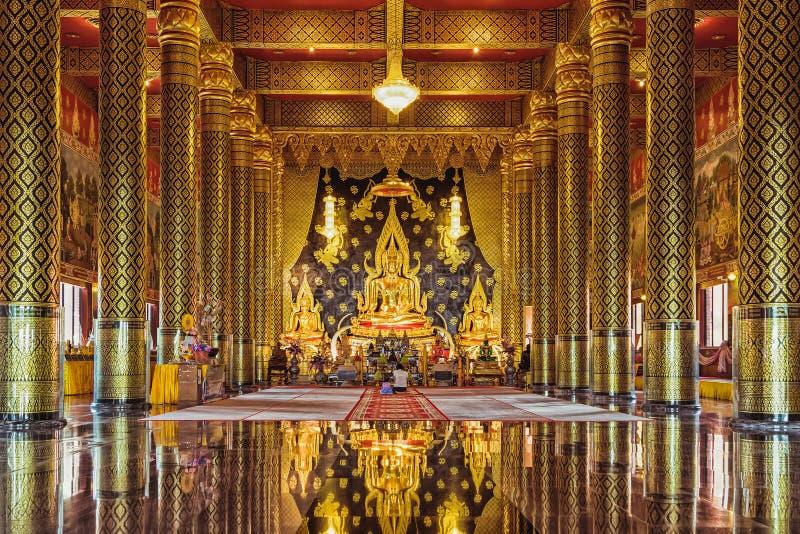 LOEI, ТАИЛАНД - 18-ое сентября: Посещение WAT NEARAMIT VIPASSANA туристов важная святыня, животики phi Dansai стоковое фото rf