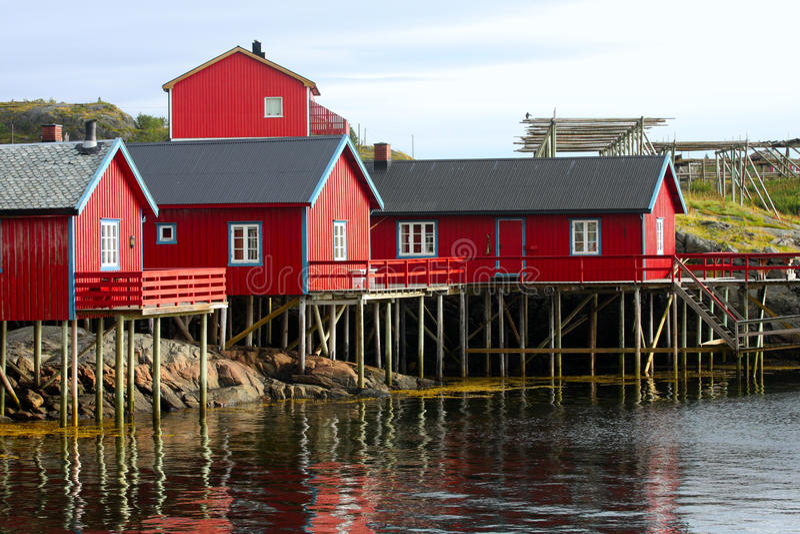 Lofoten群岛的木房子 免版税库存图片