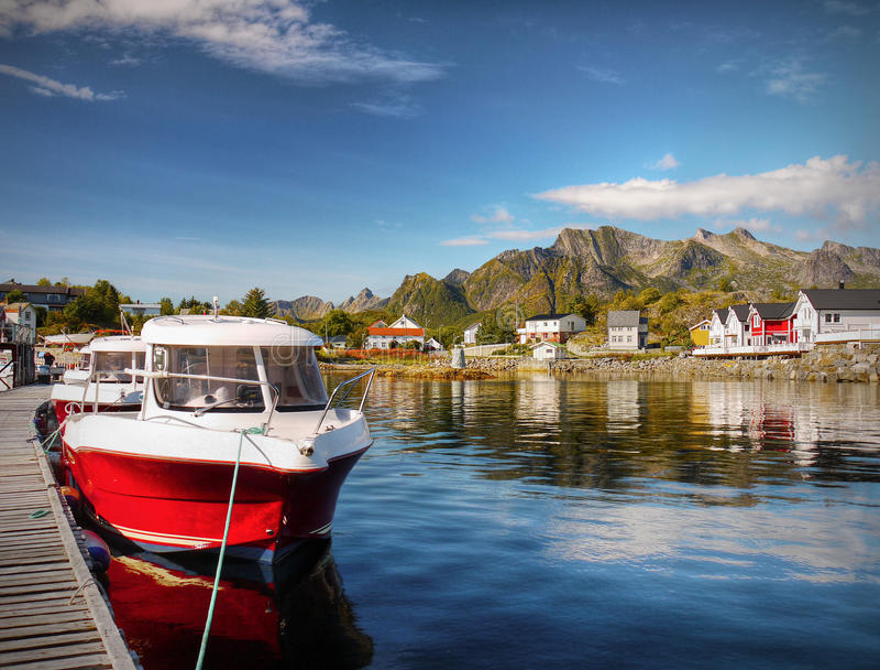 Lofoten, χωριό Kabelvag, παράκτιο τοπίο στοκ φωτογραφίες με δικαίωμα ελεύθερης χρήσης