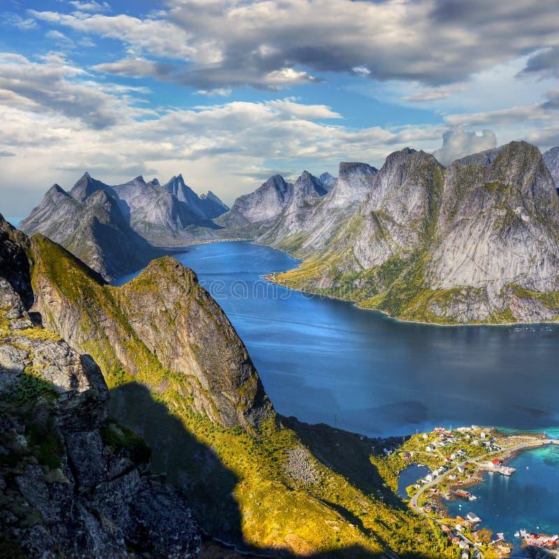 Lofoten famoso, paisagem de Noruega, Nordland foto de stock royalty free
