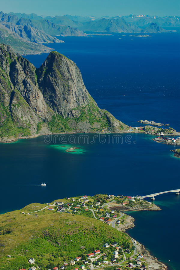 lofoten reine Норвегии стоковые фотографии rf