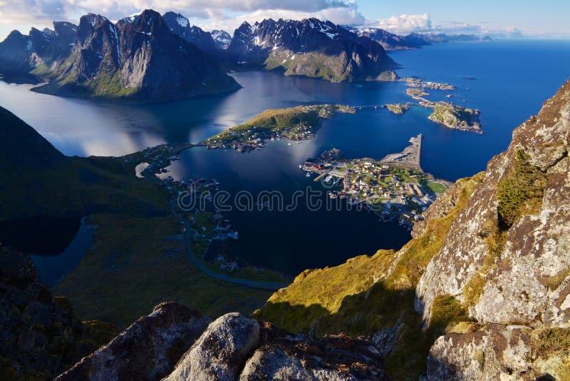 Download Lofoten wyspy zdjęcie stock. Obraz złożonej z antena - 28963044